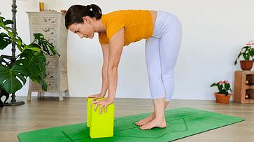 yoga stretches for sciatica and sciatic nerve pain • move